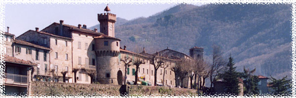 Il borgo di Castiglione di Garfagnana ESCAPE='HTML'